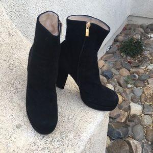 Y ves saint Laurent black suede boots size 39 US 9